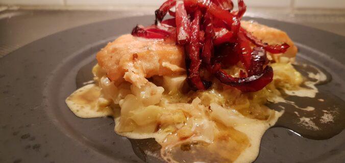 bakad sötpotatis med tonfiskröra